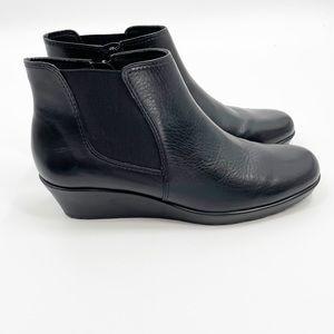 Walking Cradles soft black leather wedge boots 9N